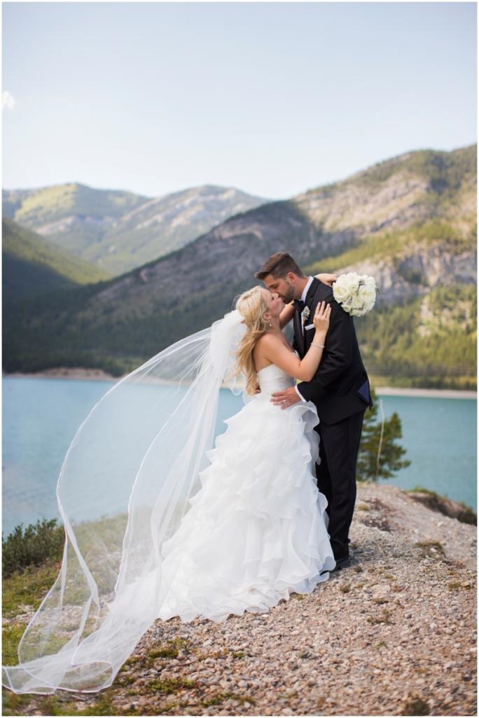 calgary_canmore_cochrane_emeraldlake_wedding_photographer023