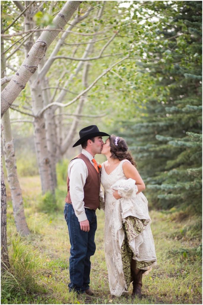 calgary_canmore_cochrane_emeraldlake_wedding_photographer034