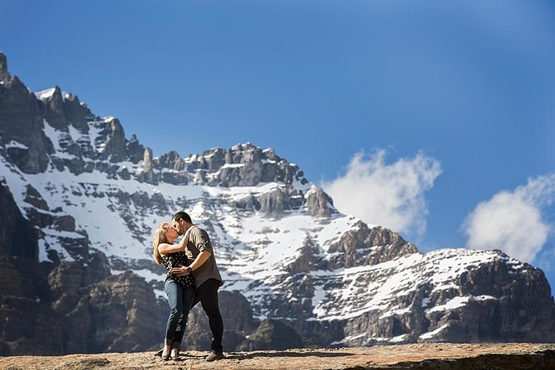 Karolyn & Joey {engaged!} | Moraine Lake Engagement Session